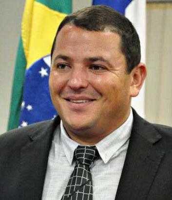 Adriano Alvarenga